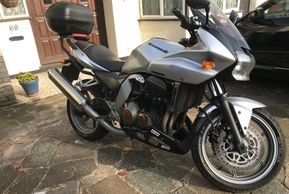 KAWASAKI Z 750 SPORTS EDITION EXCELLENT ONLY 27000 miles ULEZ FREE 2007 07 PLATE £2490