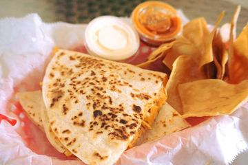 tacos-tortillas-mexicanfood-westpalmbeach-fresh-burritos-authenticemexican-freshfood-quesadillas-cor