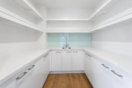Butler's Pantry, Brighton, joinery, Melbourne kitchens, bathroom vanity, Brighton, Cheltenham, bath
