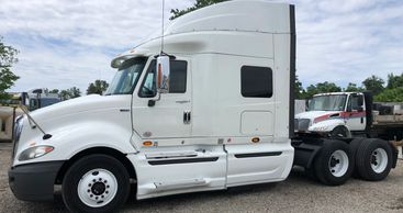 Milage: 450,000 Engine: Maxxforce 13 Transmission: 10 Speed Manual Color: White Price: $15,500