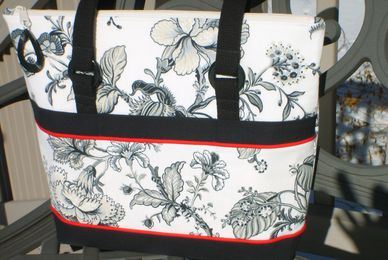 Feather Stitches black, gray, cream toile bag, purse