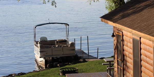 DeRuyter Lake Cabins