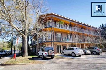 100 N Bancroft Penthouse in Fairhope Alabama managed by Wise Living Rental Properties