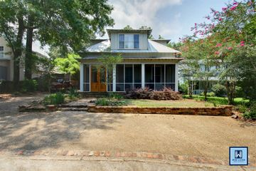 18 Cliff Dr in Fairhope Alabama managed by Wise Living Rental Properties