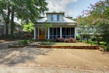 18 Cliff Drive in Fairhope Alabama managed by Wise Living Rental Properties