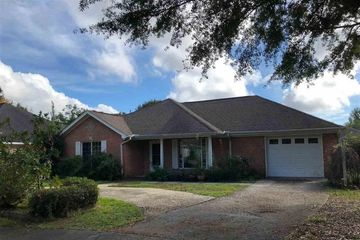 5 Troyer Ct. in Fairhope Alabama managed by Wise Living Rental Properties