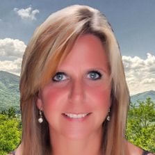Noreen McConnell-Patterson, Broker- 19 years of extensive Sevier County  Real Estate experience