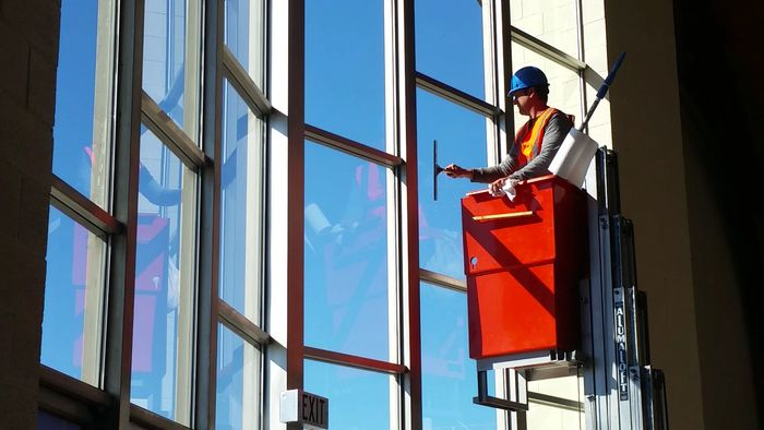 WINDOW CLEANING JANITORIAL HANDYMAN  MAINTENANCE SERVICE ORANGE COUNTY SOUTHERN CALIFORNIA