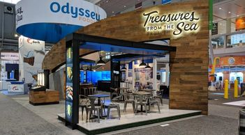 20' x 20' island Exhibits, 20x20 Trade show Displays, 20 x 20 Trade show booths