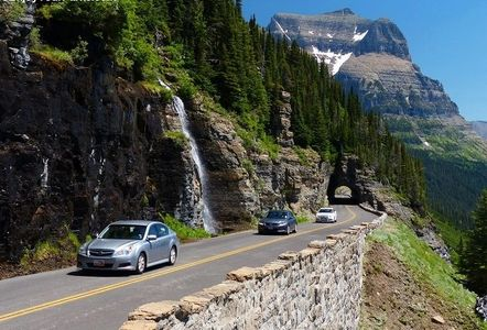 Going To The Sun Road in Glacier National Park.  Glacier Park Vacation Planning.