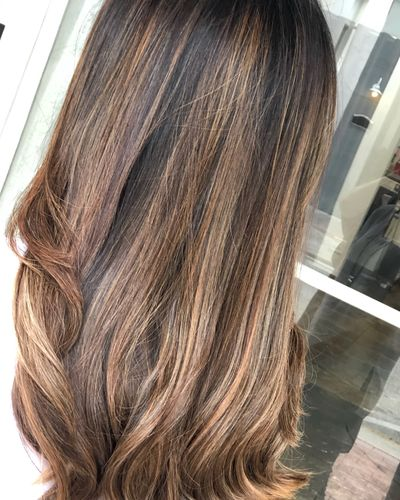 women with a BALAYAGE done by one of the BEST HAIR STYLIST in DOWNTOWN WEST PALM BEACH