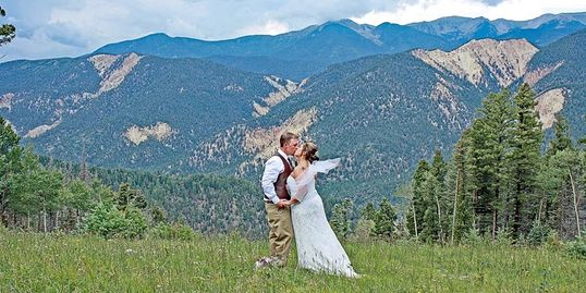 LOVE ON A MOUNTAIN TOP GET MARRIED AT 10,350 FOOT ELEVATION