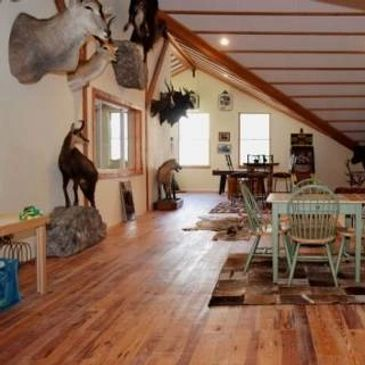 Private homes for rent with game rooms and spectacular views in Red River, NM