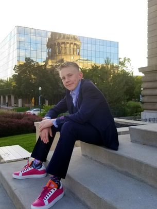 I Love This Life founder Luc Swensson has released his new shoe line called HOLO (Hope&Love).