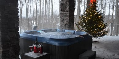 Hydrotherapy, Jacuzzi Suite Packages in Northern Michigan, Jacuzzi Suite Packages, Bed and Breakfast in Northern Michigan, Petoskey.