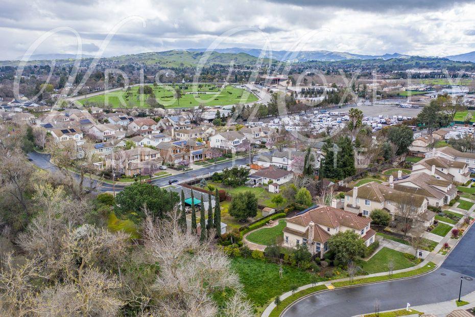 Round Table Pleasanton Ca.Moxley Kris Moxley Moxley Real Estate Pleasanton California