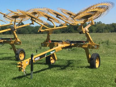 Vermeer VR820 Carted Wheel Rake