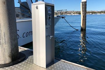 jetty power and water service pedestals jetty power connection pontoon power and water