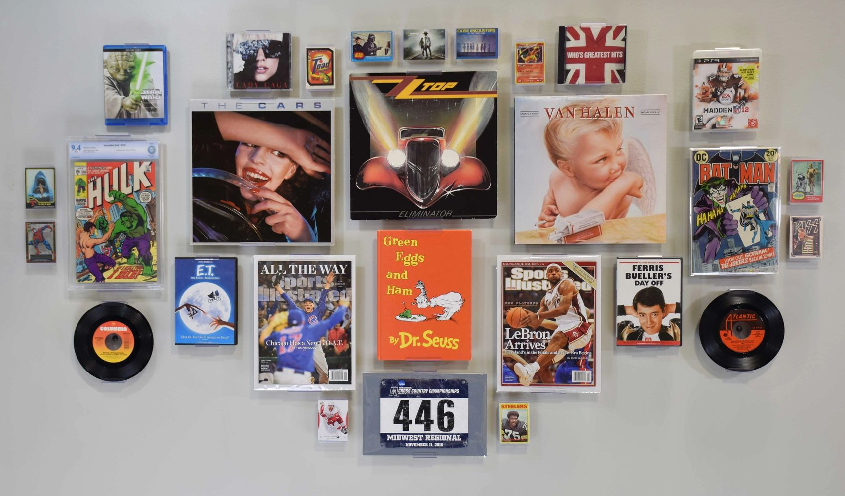comic frame, record album frame, cd frame, dvd frame, video game display, trading card frame