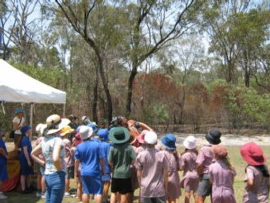 Aboriginal school workshops, Indigenous incursions, hands on aboriginal workshops; aboriginal art
