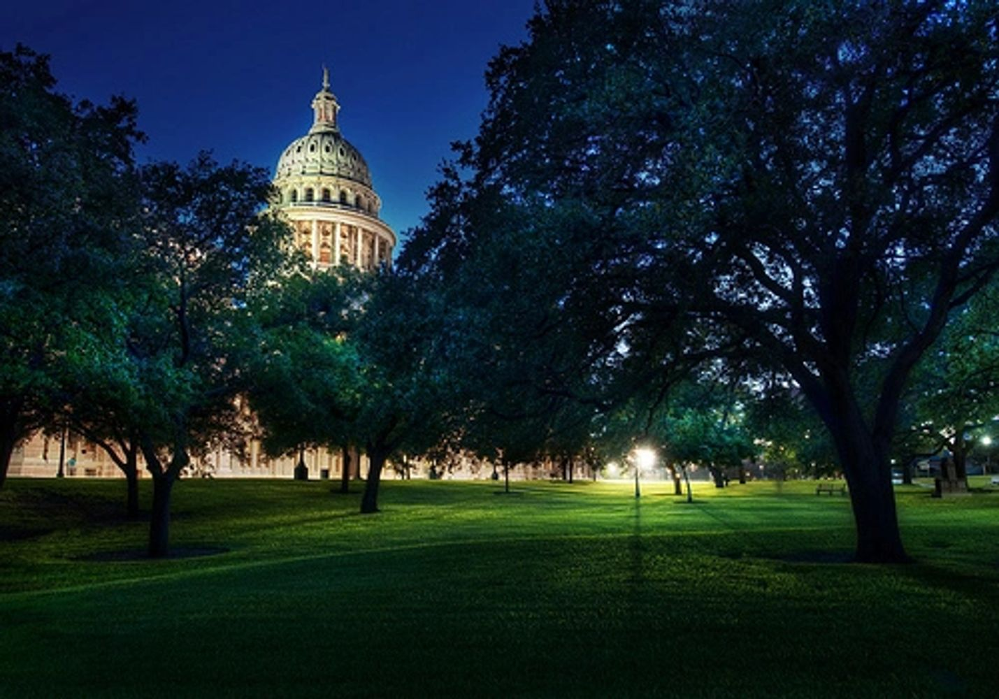 The Texas capitol at dusk. From Trey Ratcliff, www.StuckInCustoms.com