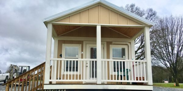 Camping cabin Lake Hartwell short-term or long-term. Cabin for sale, RV park with lake front lots.
