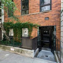 Pre War Townhouse Condo Sale/1bed/1bath/$660,000/Walk Up Building/Beekman Place/Midtown East
