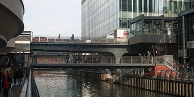 London Walking Tour, Canary Wharf, walkways. Photography Tours