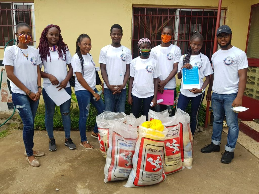 The Rasphaelyn Foundation Inc members and helpers ready to distribute to community