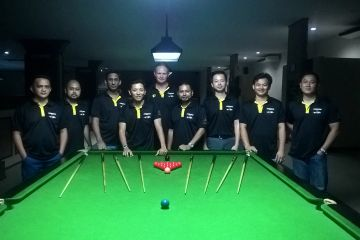 Group snooker coaching