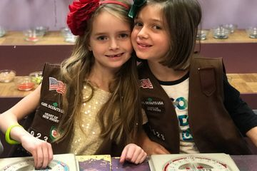 Friends are Fun Try It Daisy Brownie Junior Girl Scout Troop Earn Patch DIY Jewelry Design Bracelet