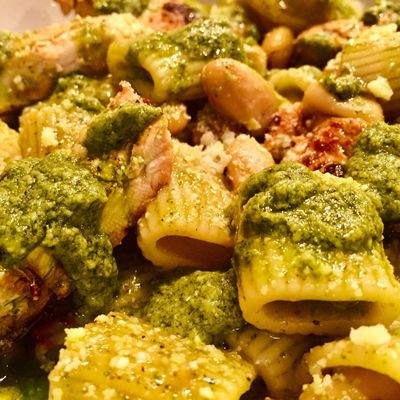 Rigatoni smothered in Alexia's famous Pesto Sauce, Cannellini Beans, Lemon Chicken & Romano Cheese!