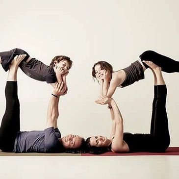 Family acroyoga classes in Fremantle