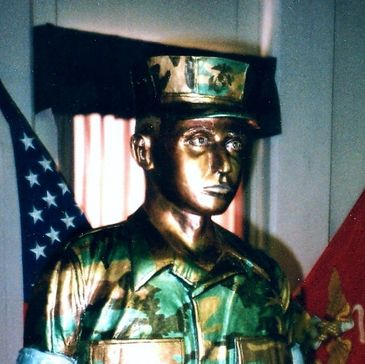 marine corps sculptor