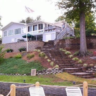Retaining wall With Custom steps