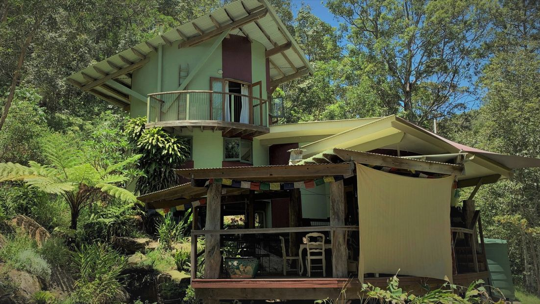 Kirby Timbers Blue Zen Massage Located in a TreeHouse Diamond Valley Rain Forest Sunshine Coast