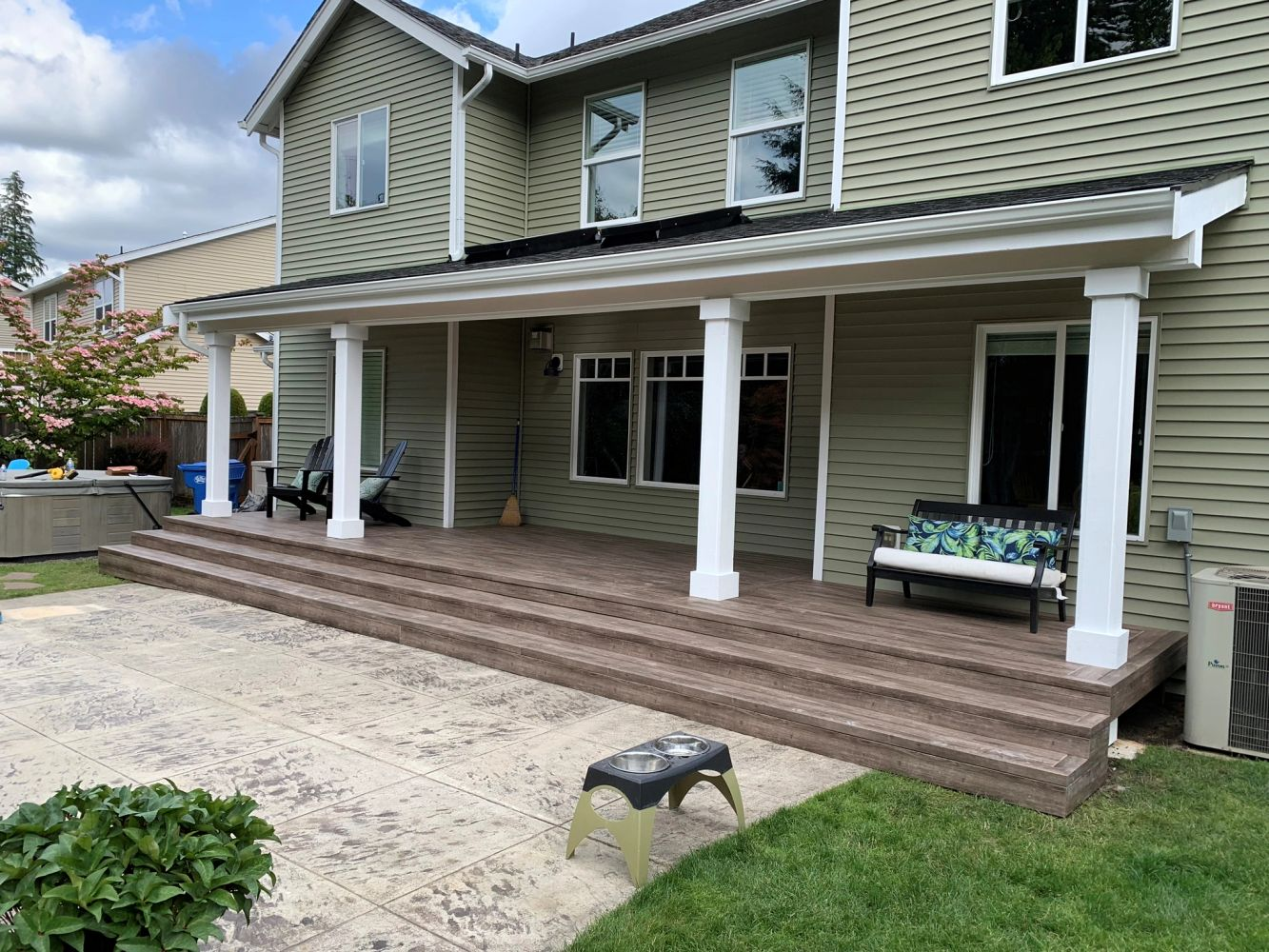 We build wood and Aluminum patio covers. And also build Decks and Railing.