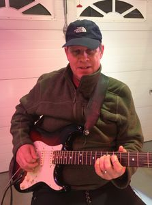 Another New York native, Bob Leibowitz has performed with original and cover bands at West Coast ven