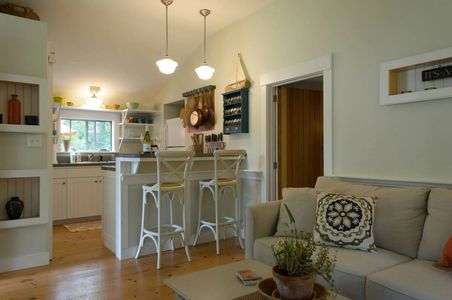 Beautiful historic vacation holiday rental cottage in Vineyard Haven, on Martha's Vineyard