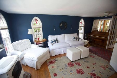 Beautiful antique vacation holiday rental home in Oak Bluffs, on Martha's Vineyard