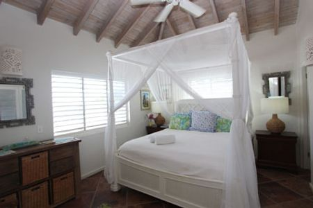 Kittyhawk Antigua master bedroom