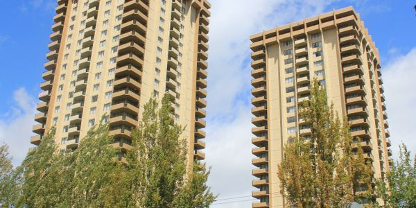 Burnaby Centre Luxury High Rise Rental Apartments in the Heart of Metrotown in Burnaby!