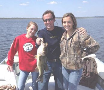 Father, daughter & friend largemouth bass fishing with Southern Outdoorsman Guide Service.