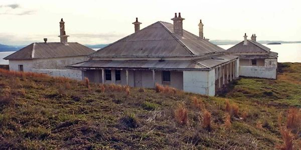 Head Keeper's Quarters on South  Solitary Island before stabilisation works in 2004, NSW
