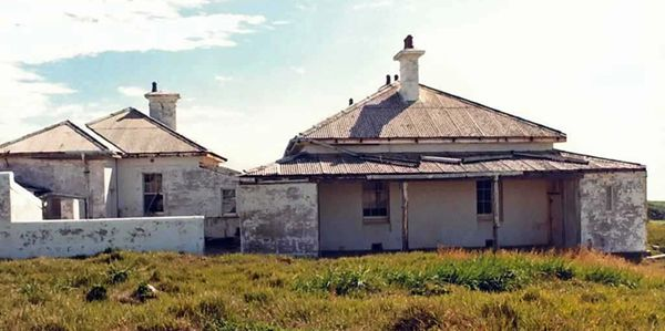 South Solitary Island Assistant Keeper's Cottages (before stabilisation in 2004), NSW