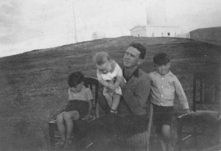 Roy, Lang, Hugh and father Tom Shields - South Solitary Island Lighthouse, New South Wales