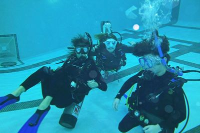 PADI Open Water Diver pool training in Toronto with Water Sports.