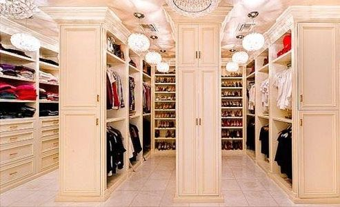 Talk to us about creating a closet space fit for your needs.