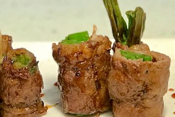 Beef rolled with green onion