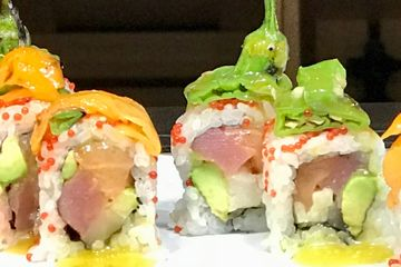 Grilled sweet Aurora pepper and Shishito pepper. Rolled in yellow tail, tuna, salmon, jicama,